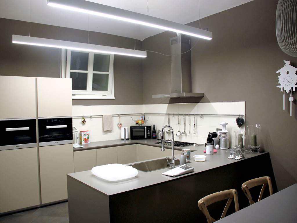 Aldebaran Biella - Barra Luminosa per cucina