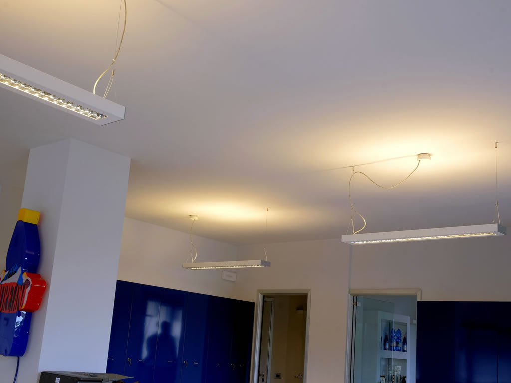 Aldebaran Biella - Plafoniere da soffitto con effetto riflesso su soffitti